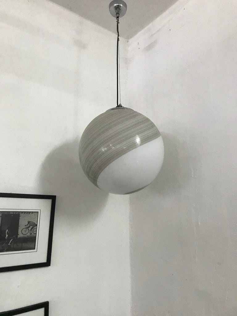 Large Mid-Century Modern Sphere Chandelier in Murano Glass by Venini, circa 1970 For Sale 5