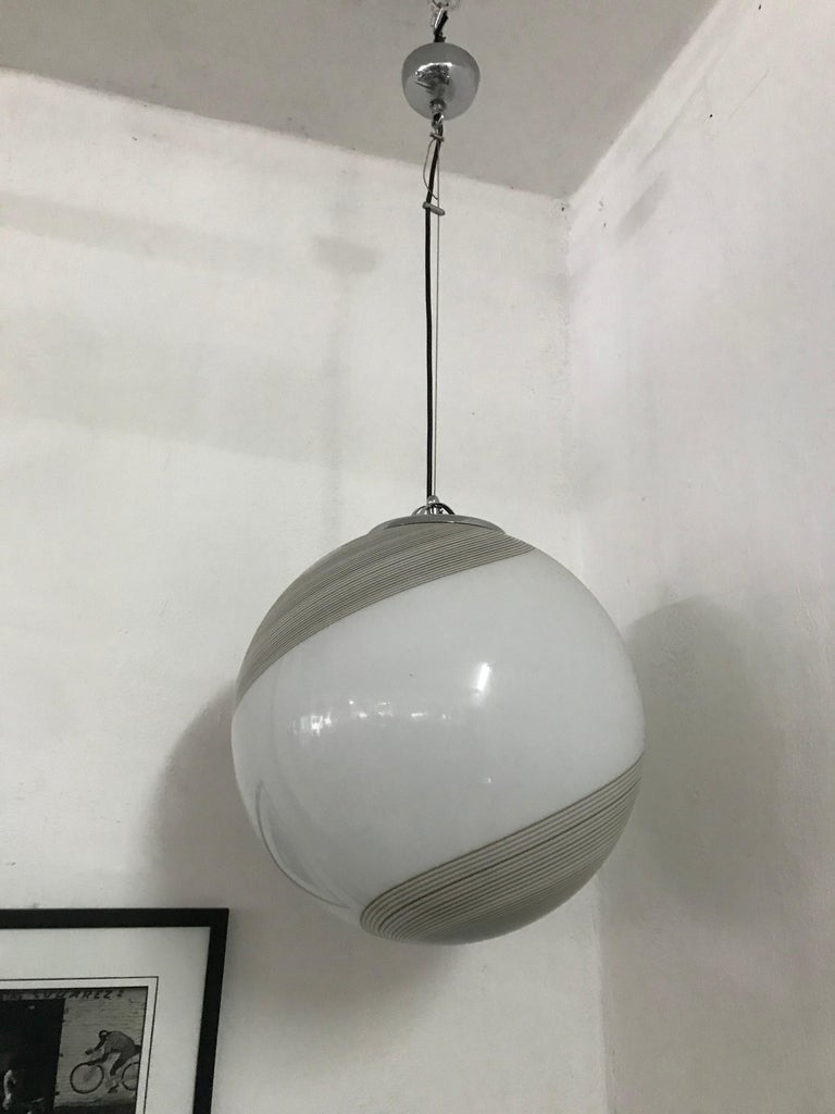 20th Century Large Mid-Century Modern Sphere Chandelier in Murano Glass by Venini, circa 1970 For Sale