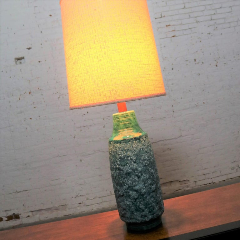 Large Mid-Century Modern Turquoise Lava Glaze Ceramic Table Lamp after Fantoni For Sale 6