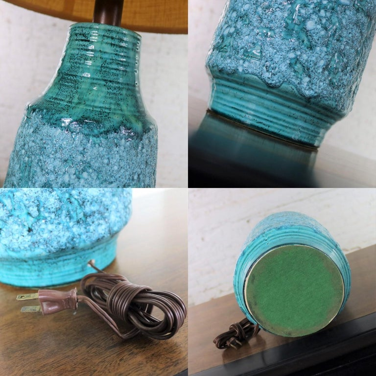 Large Mid-Century Modern Turquoise Lava Glaze Ceramic Table Lamp after Fantoni For Sale 13