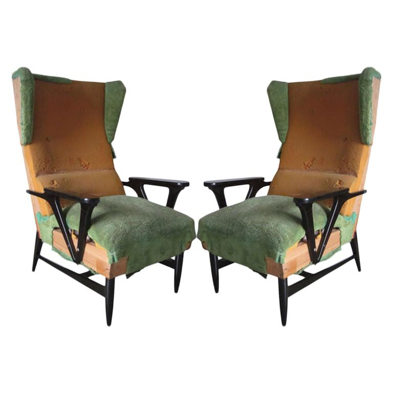 Large Mid-Century Modern Wing-back Lounge Chairs Carlo Mollino Attributed, Pair For Sale