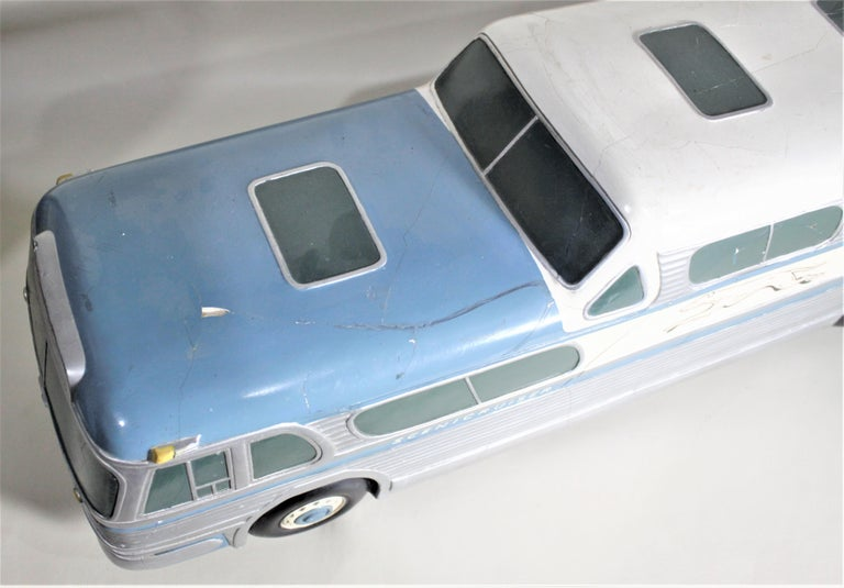 Large Mid-Century Plaster 'Scenicruiser' Greyhound Bus Advertising Display Model For Sale 4