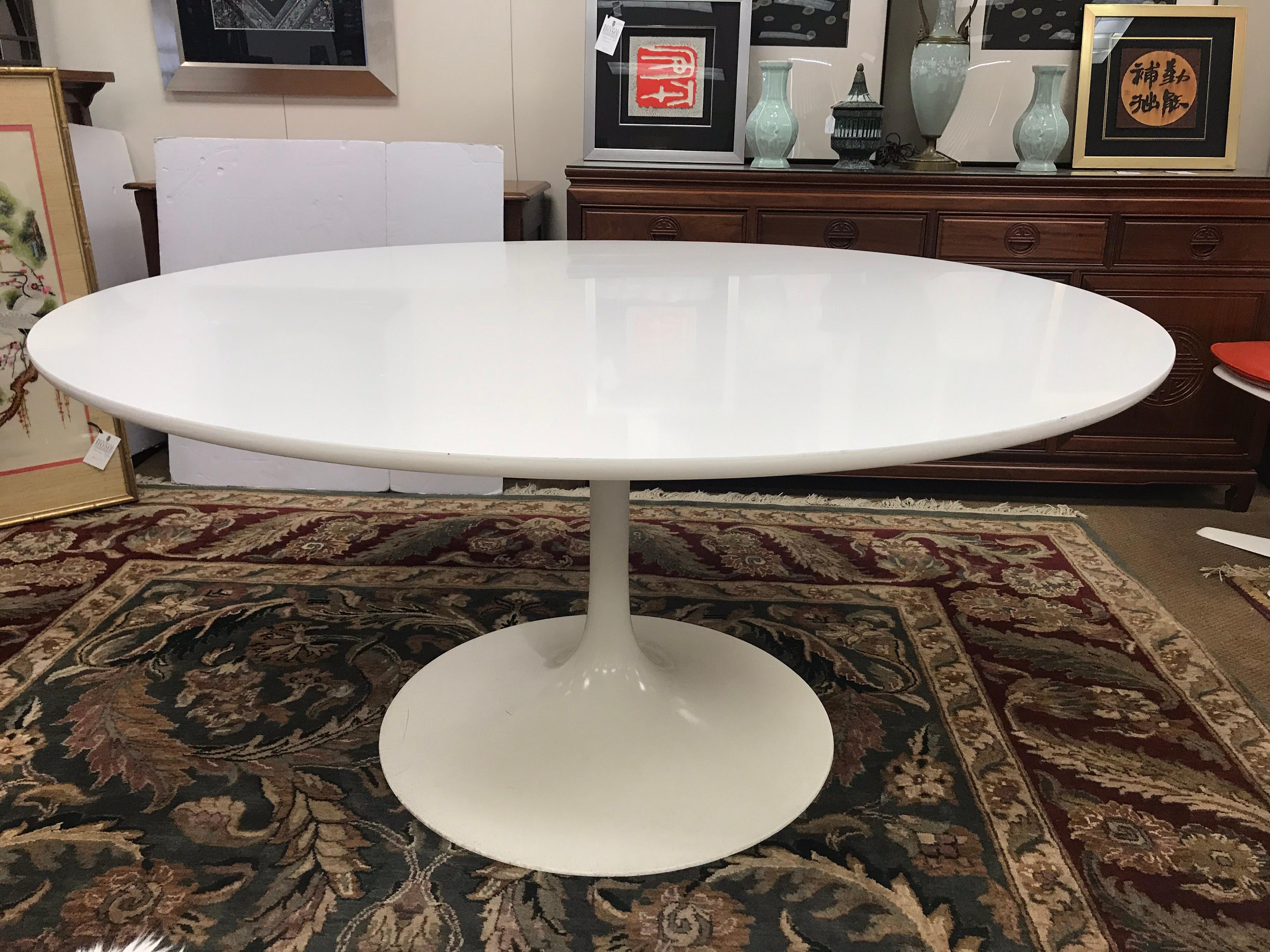 Large Midcentury Saarinen Style Tulip Table Burke Industries USA, 1970s