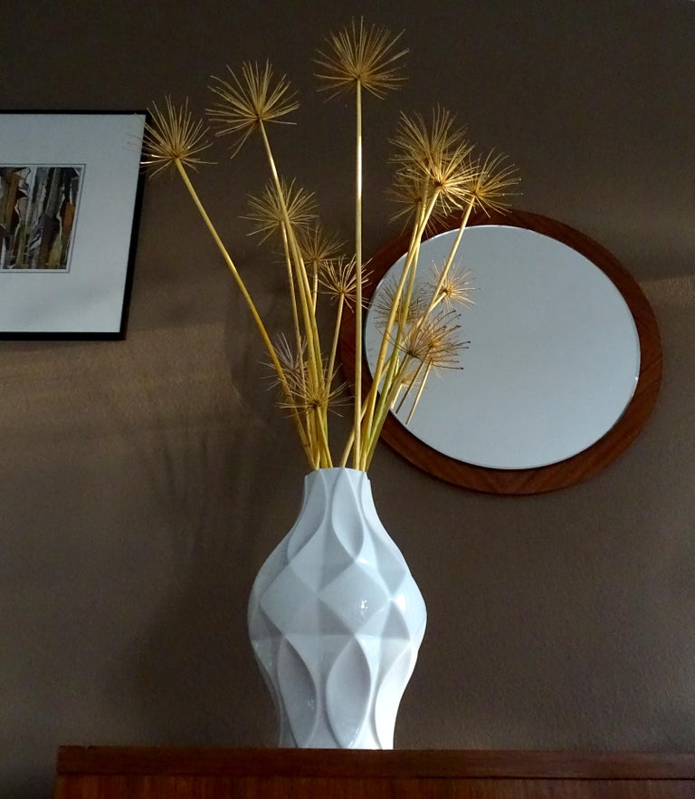 Large Midcentury Bavarian Architectonic Vase with Extruded Losange Pattern In Excellent Condition For Sale In Bremen, DE