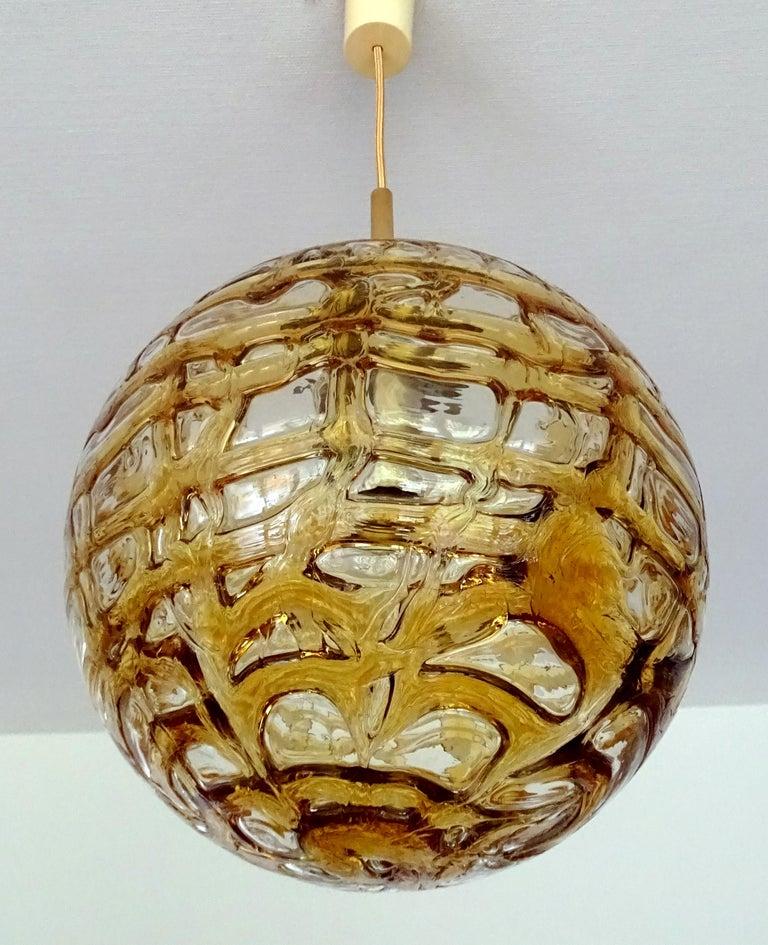 Large Midcentury Doria Murano Honeydrip Glass Globe Brass Pendant Chandelier For Sale 3