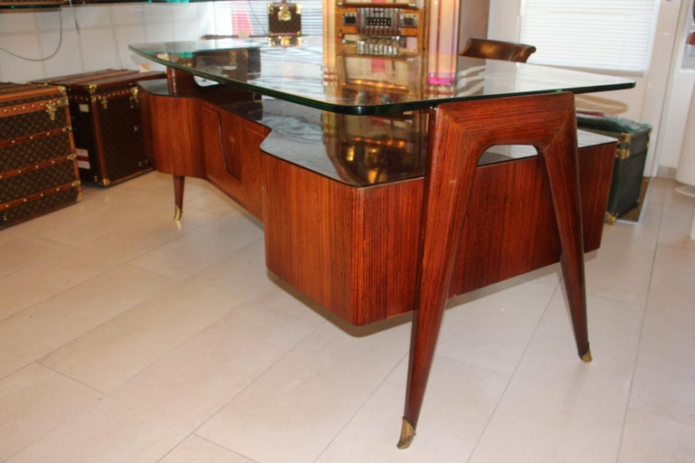 Mid-Century Modern Large Midcentury Italian Executive Desk by Vittorio Dassi For Sale