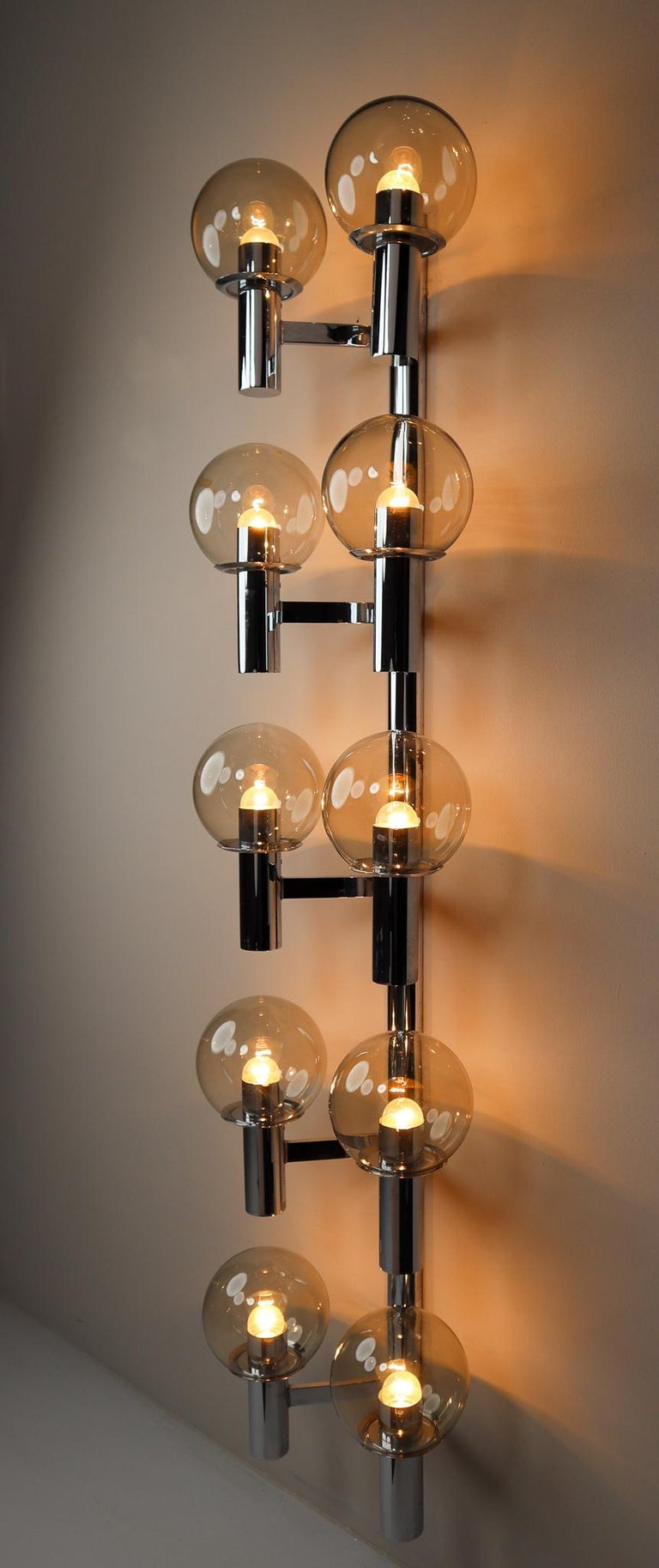 Late 20th Century Large Mid-Century Modern Chrome Wall lights / Sculptures, Italy, 1970s For Sale