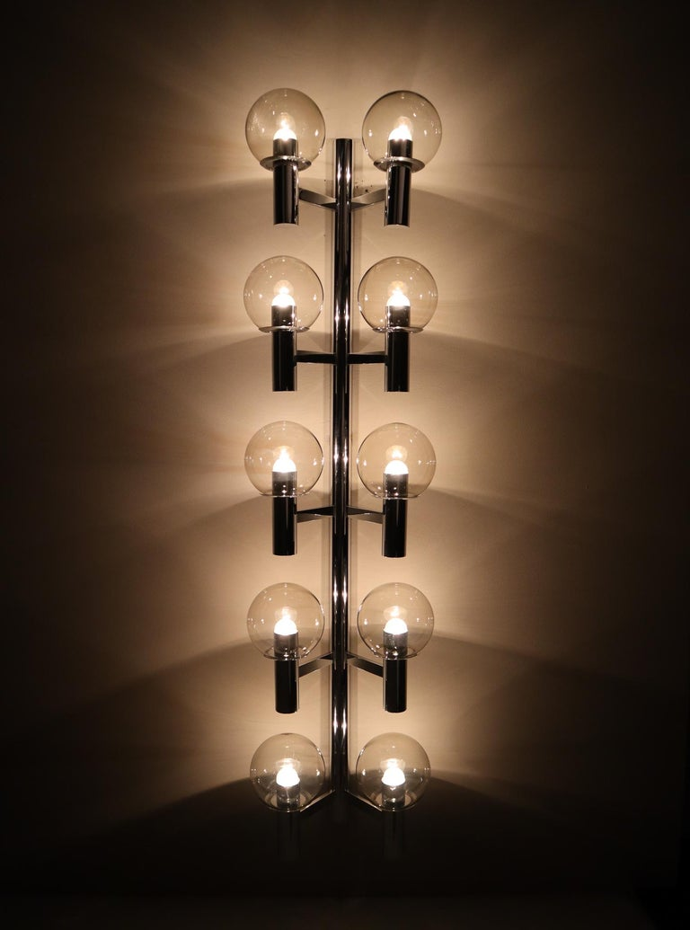 Large Mid-Century Modern Chrome Wall lights / Sculptures, Italy, 1970s For Sale 1