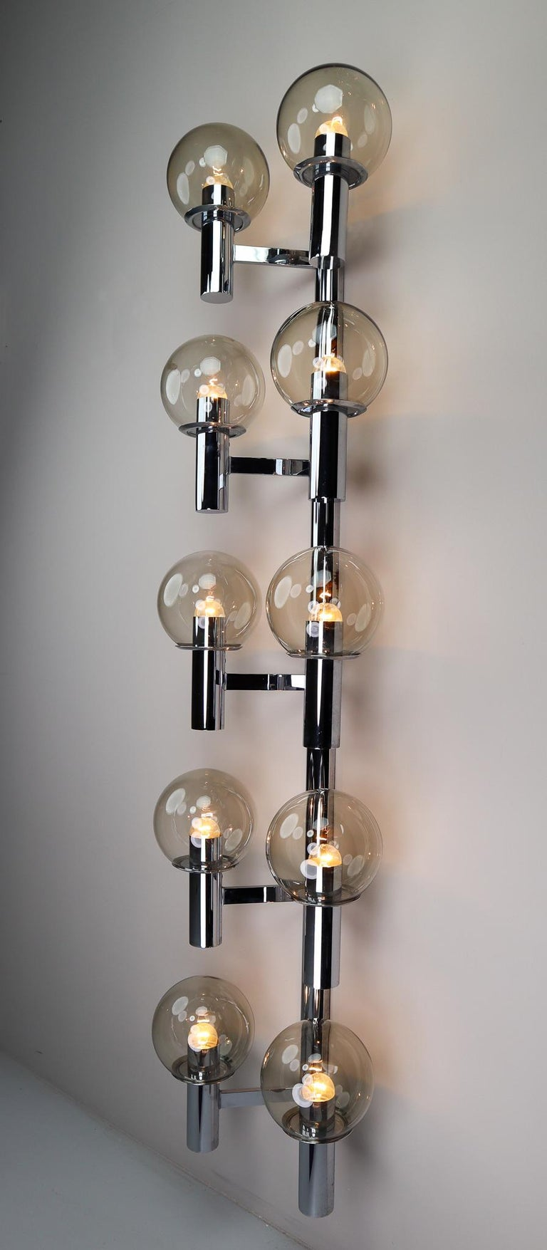 Large Mid-Century Modern Chrome Wall lights / Sculptures, Italy, 1970s For Sale 4
