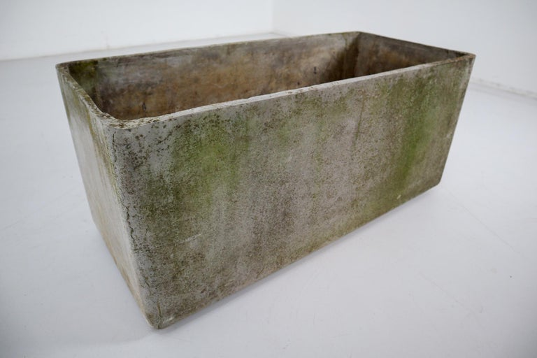 Large Midcentury Planter by Swiss Architect Willy Guhl for Eternit, 1960s In Good Condition For Sale In Almelo, NL