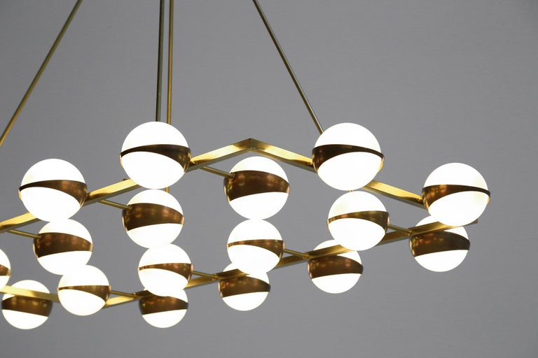 Large Modern Chandelier 20 Lights, Stilnovo Style In Excellent Condition For Sale In Lyon, FR