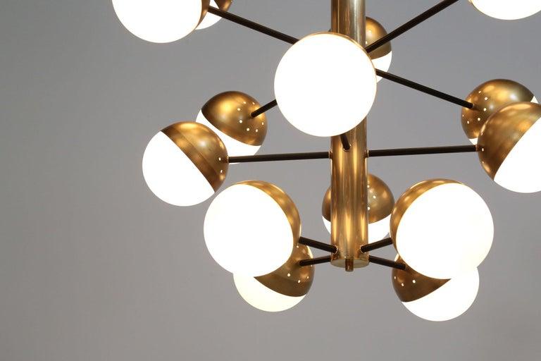 Large Modern Chandelier with 20 Lights, Italian Stilnovo Style For Sale 4
