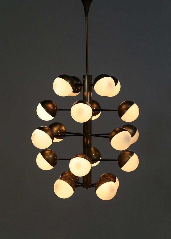 Large Modern Chandelier with 20 Lights, Italian Stilnovo Style For Sale 8