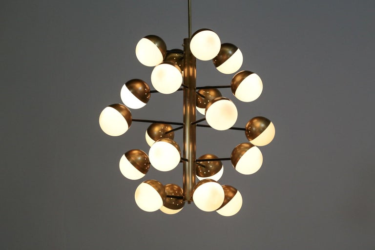 Really nice cloud modern chandelier, structure in brass with 20 opaline globes. Massive chandelier in the style of Stilnovo.  Artisanal work. E14 bulb.