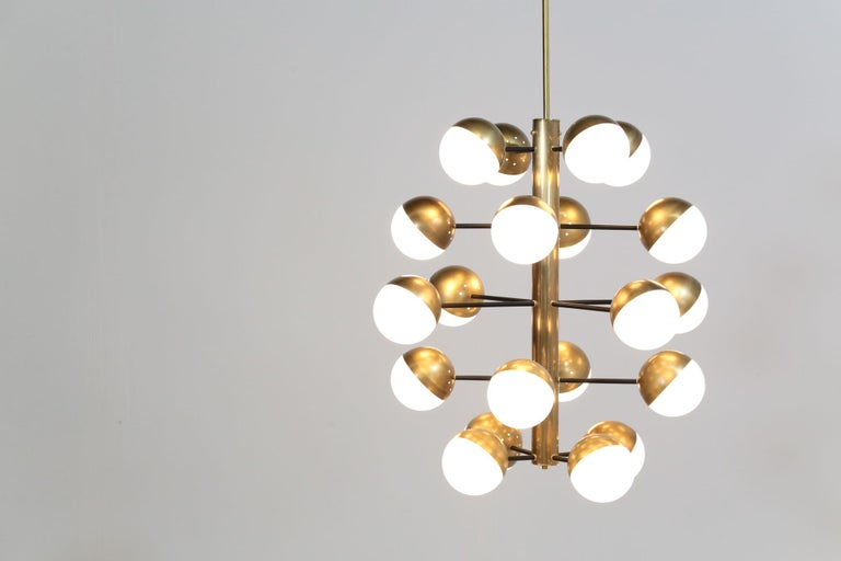 Mid-Century Modern Large Modern Chandelier with 20 Lights, Italian Stilnovo Style For Sale