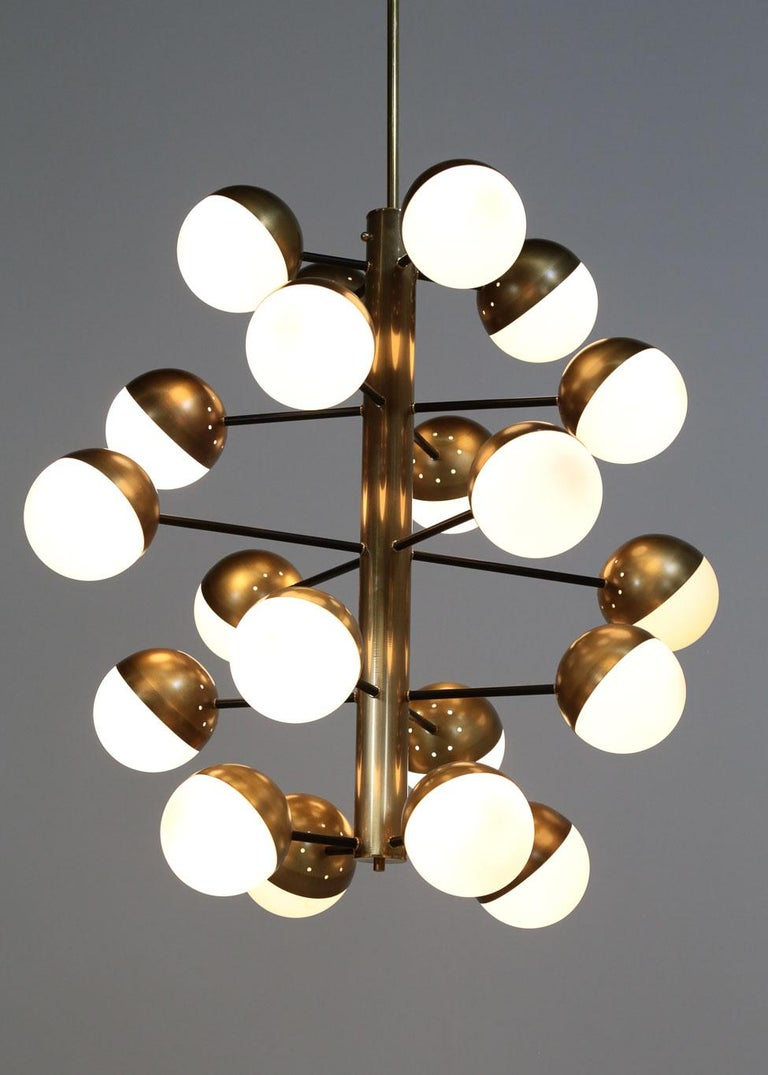 Large Modern Chandelier with 20 Lights, Italian Stilnovo Style In Excellent Condition For Sale In Lyon, FR