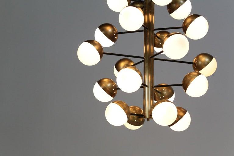 Brass Large Modern Chandelier with 20 Lights, Italian Stilnovo Style For Sale