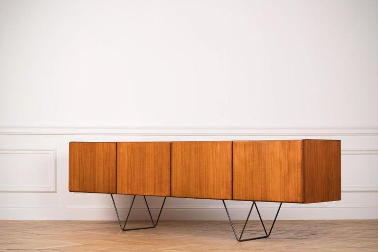 Large Modern Midcentury Sideboard Minimal Design In Good Condition For Sale In Gemmerich, DE