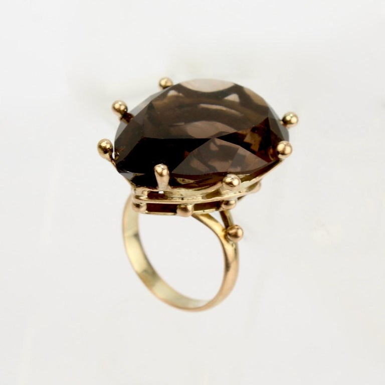 Large Modernist 14 Karat Gold and Smoky Quartz Cocktail Ring In Good Condition For Sale In Philadelphia, PA