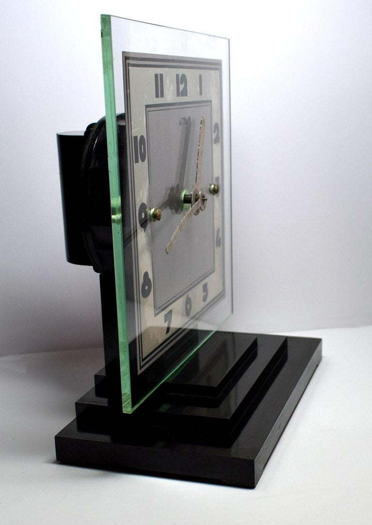 Large Modernist 1930s Art Deco Bakelite and Glass ATO Clock In Good Condition For Sale In Devon, England