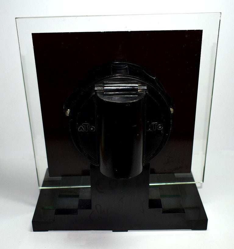 Large Modernist 1930s Art Deco Bakelite and Glass ATO Clock For Sale 2