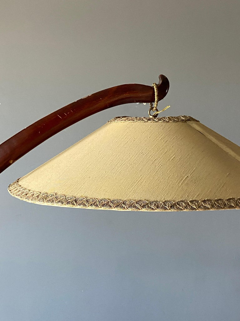 Mid-Century Modern Large Modernist Curved Floor Lamp, Walnut, Brass, Fabric, Italy, 1940s For Sale