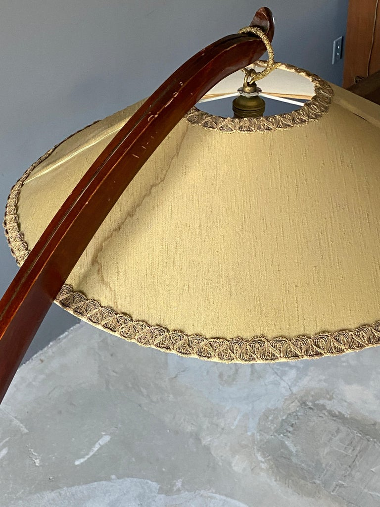 Italian Large Modernist Curved Floor Lamp, Walnut, Brass, Fabric, Italy, 1940s For Sale