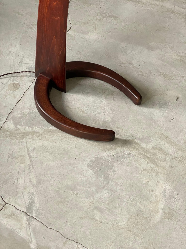 Mid-Century Modern Large Modernist Curved Floor Lamp, Walnut, Brass, Paper, Italy, 1940s For Sale