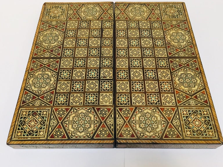 Large Mosaic Syrian Backgammon and Chess Wooden Inlaid Marquetry Box Game For Sale 7