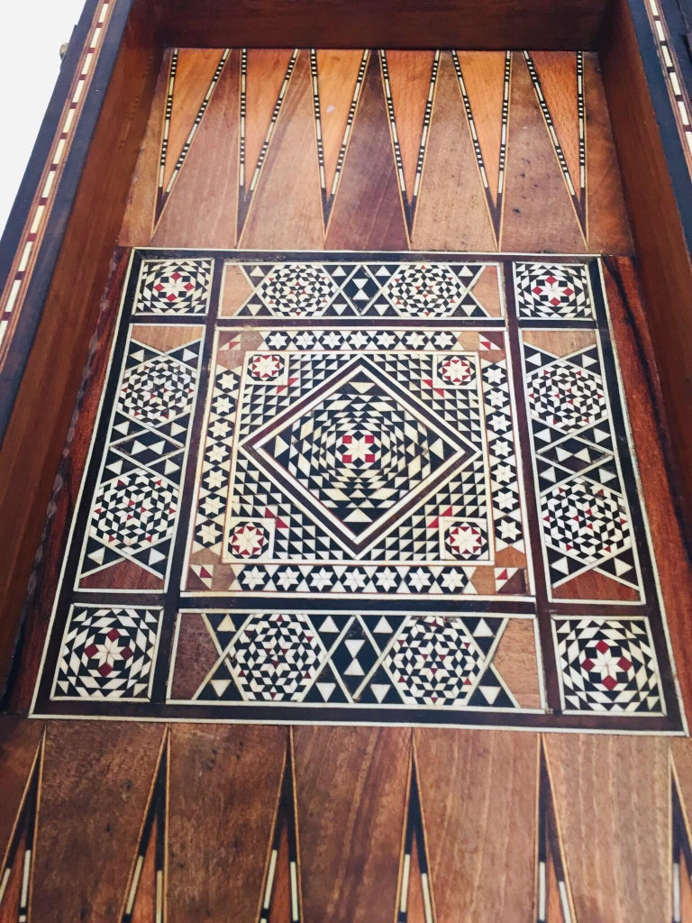 Large Mosaic Syrian Backgammon and Chess Wooden Inlaid Marquetry Box Game For Sale 9