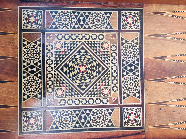 Large Mosaic Syrian Backgammon and Chess Wooden Inlaid Marquetry Box Game For Sale 10