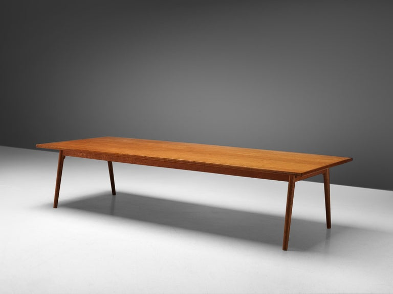Large Danish Conference or Dining Table in Oak In Good Condition For Sale In Waalwijk, NL