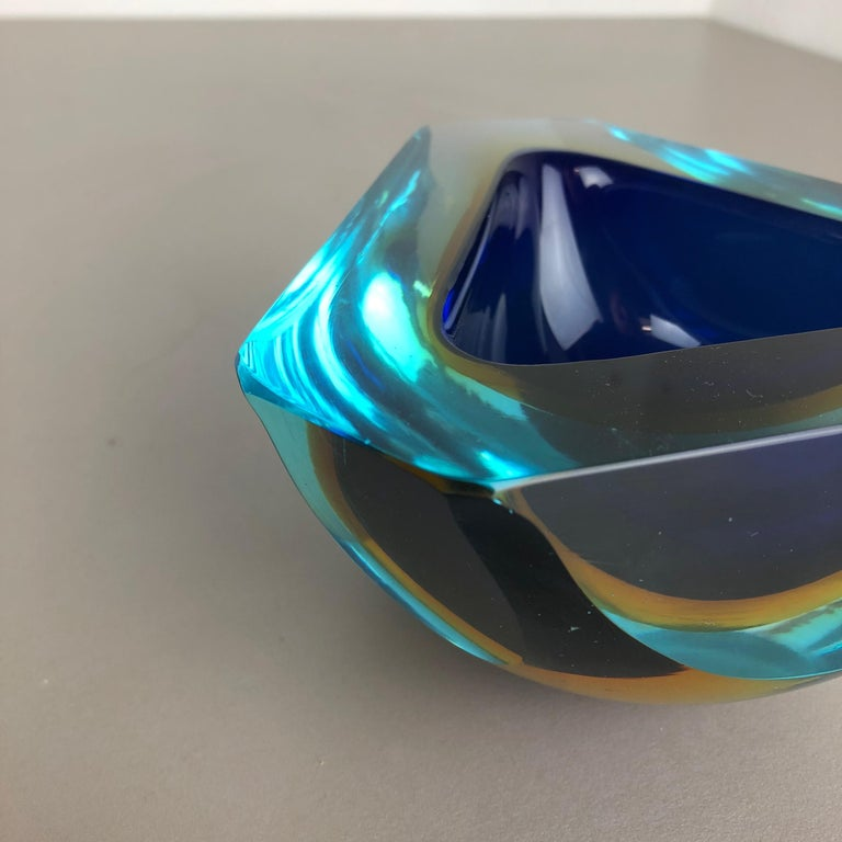 Large Murano Glass Faceted Sommerso Bowl Element Ashtray, Murano, Italy, 1970s For Sale 5