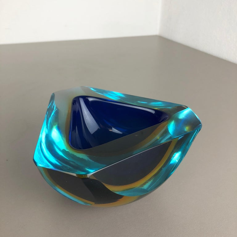 Large Murano Glass Faceted Sommerso Bowl Element Ashtray, Murano, Italy, 1970s For Sale 3