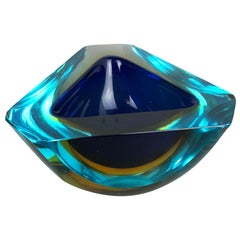 Large Murano Glass Faceted Sommerso Bowl Element Ashtray, Murano, Italy, 1970s
