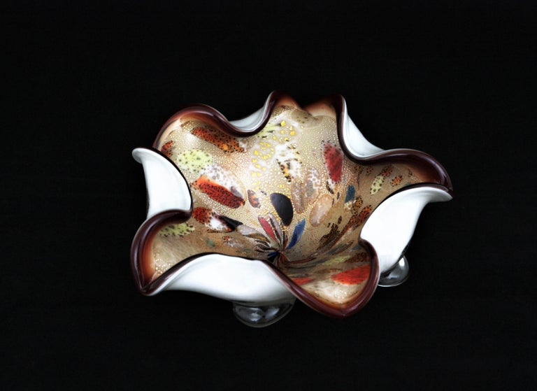 Large Murano Glass Tutti Frutti Flower Bowl by Dino Martens In Excellent Condition For Sale In Barcelona, ES