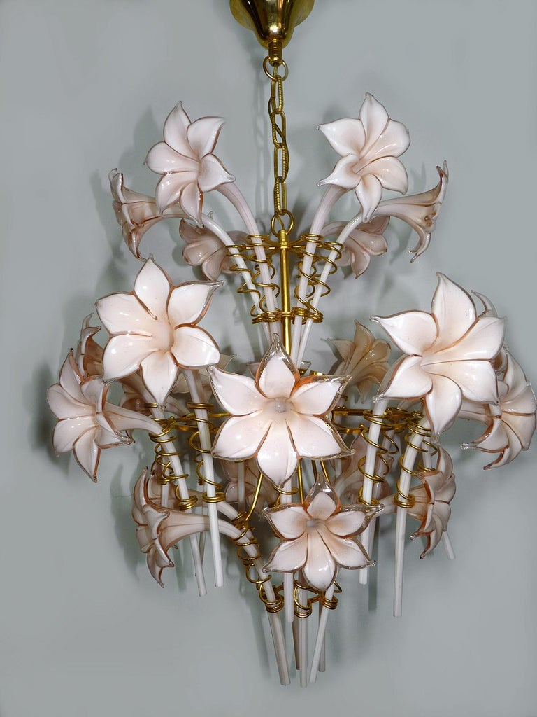 Late 20th Century Large Murano Pink Lilly Sculptural Chandelier Franco Luce Art Glass & Gilt Brass For Sale