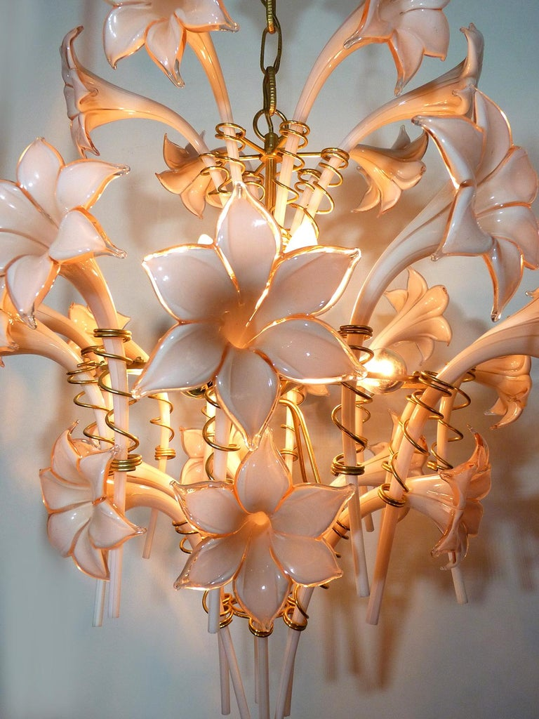Large Murano Pink Lilly Sculptural Chandelier Franco Luce Art Glass & Gilt Brass For Sale 1