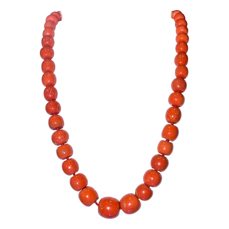 Large Natural Coral and Diamond Antique Necklace, circa 1910-1920 For Sale