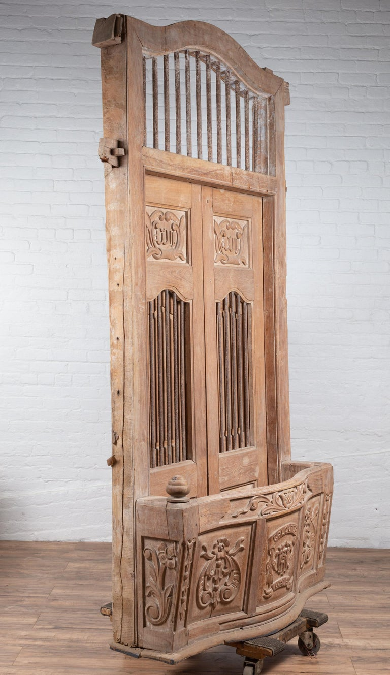 Large Natural Wood Window Balcony with Hand Carved Foliage Motifs and Bonnet Top For Sale 5