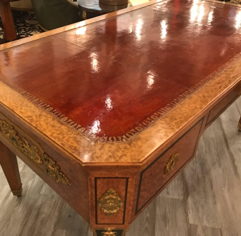 Large Neoclassical Bird's-Eye Maple Leather Top Desk In Good Condition For Sale In Lambertville, NJ
