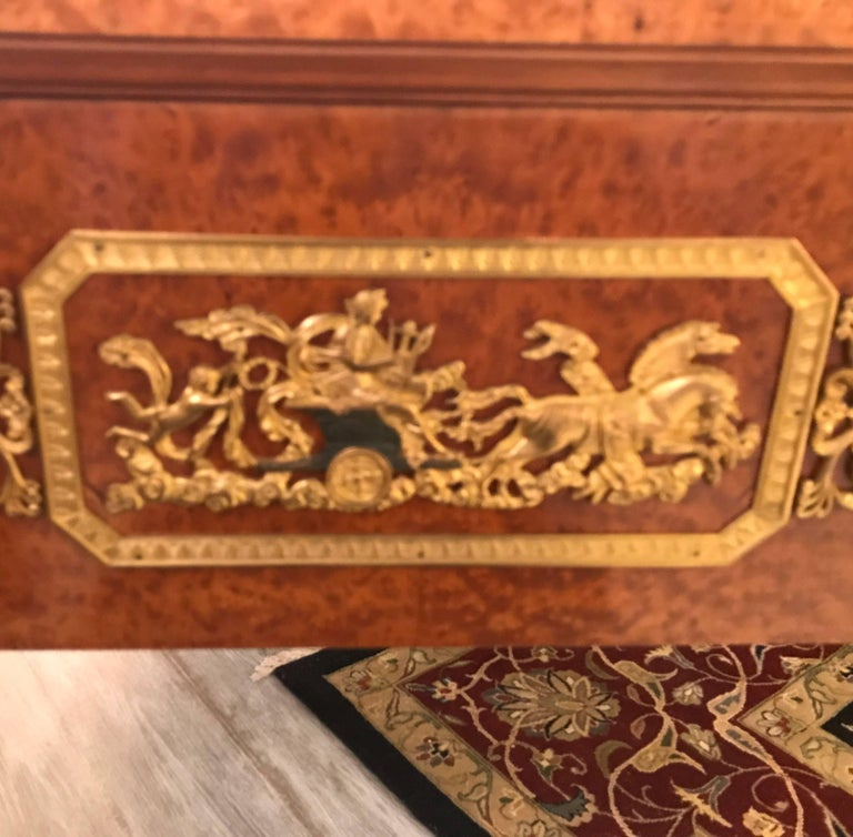 Large Neoclassical Bird's-Eye Maple Leather Top Desk For Sale 4