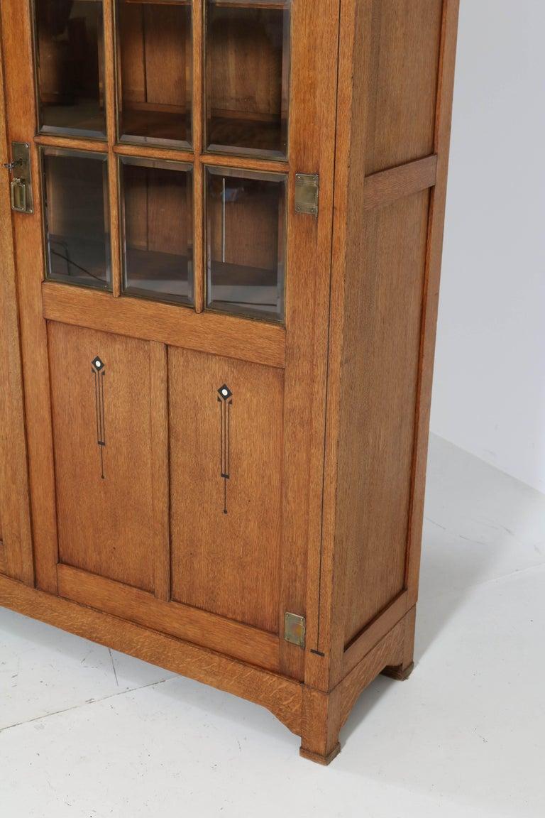 Large Oak Arts & Crafts Art Nouveau Bookcase, 1900s For Sale 4
