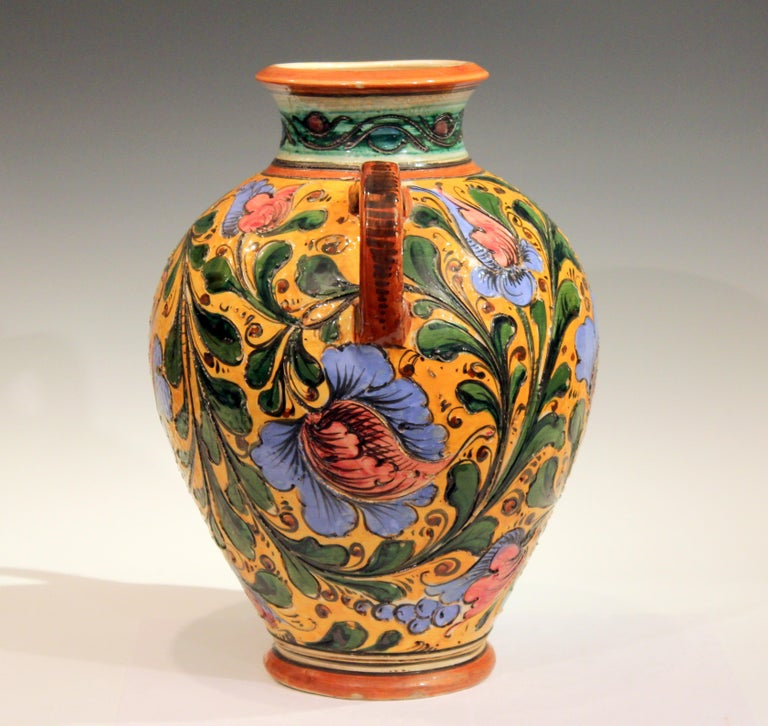 Large Old or Antique Hand-Turned Italian Faience Majolica Sgraffito Pottery Vase In Excellent Condition For Sale In Wilton, CT