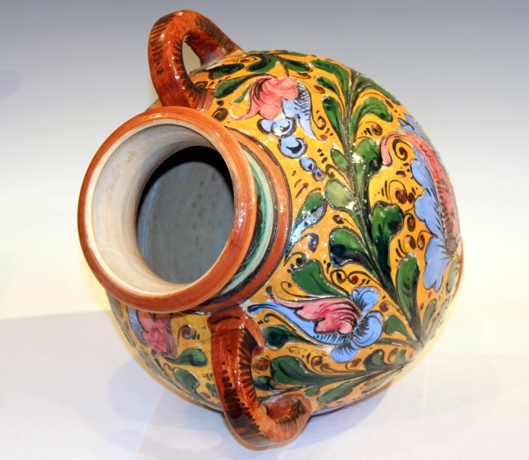 Large Old or Antique Hand-Turned Italian Faience Majolica Sgraffito Pottery Vase For Sale 1