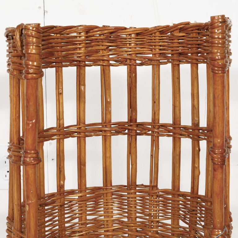 Early 20th Century Large Open-Sided French Standing Willow Baguette Basket from Boulangerie For Sale