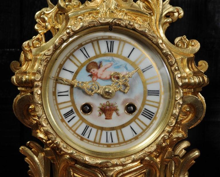 Large Ormolu and Sèvres Porcelain Rococo Antique Clock Set For Sale 12