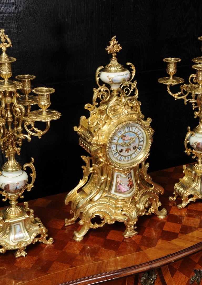 Large Ormolu and Sèvres Porcelain Rococo Antique Clock Set For Sale 3