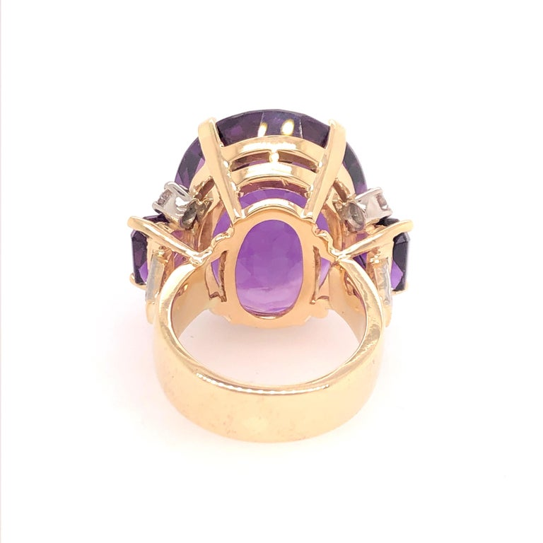 Large Oval Amethyst and Diamond Yellow Gold Ring In Excellent Condition For Sale In Dallas, TX