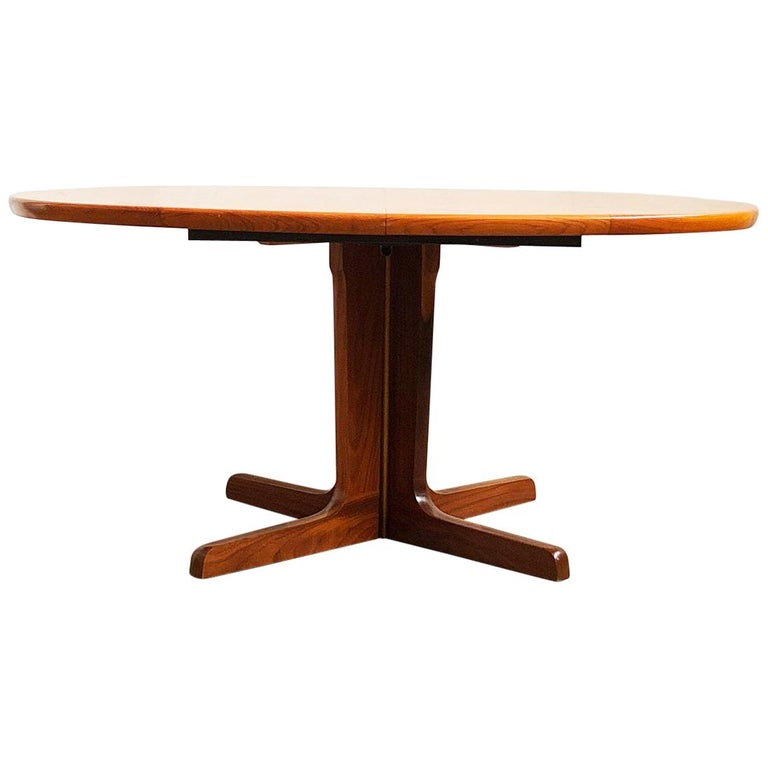 Large Oval Mid Century Modern Extendable Teak Dining Table 1960s For